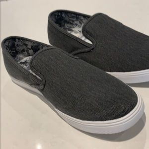 NWT Blackwell grey slip on canvas shoes